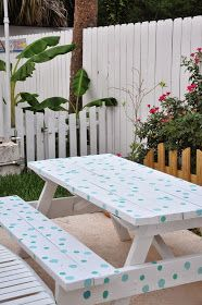 19 Charming Diy Outdoor Pallet Furniture Ideas For Your Dream House 007 - Kitchen Inst Painted Picnic Tables, Seaside Style, Diy Pallet Furniture, Furniture Ideas, Outdoor Living, Outdoor Decor, Outdoor Pallet, Beach Cottages, Backyard