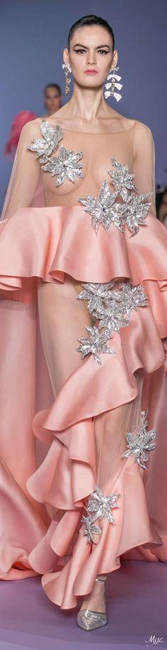 Grey Fashion, Fashion 2020, Runway Fashion, High Fashion, Fashion Beauty, Fashion Design, Coral Fashion, Jean Paul Gaultier, Couture Details