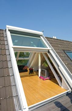 Loftumbau Dachschiebefenster OpenAir DSF_Openair Sunshine Loft Conversion Roof sliding window OpenAir DSF_Openair Sunshine The post Loftumbau Dachschiebefenster OpenAir DSF_Openair Sunshine appeared first on Arbeitszimmer Diy. Future House, My House, House Roof, Loft Conversion Roof, Loft Conversions, Style At Home, Home Interior Design, Exterior Design, Garage Design