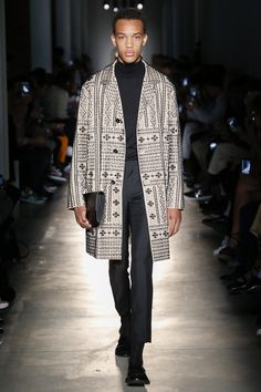 Magnificent coat choices: Ports 1961 Spring 2018 Menswear