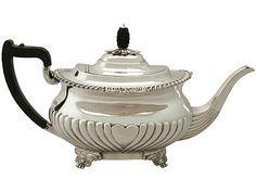 'Sheffield Silver Teapot' An exceptional, fine and impressive antique Edwardian Dutch sterling silver bachelor teapot