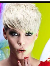 """How to style the Pixie cut? Despite what we think of short cuts , it is possible to play with his hair and to style his Pixie cut as he pleases. For a hairstyle with a """"so chic"""" and pointed… Continue Reading → Pixie Haircut 2017, Blonde Pixie Haircut, Blonde Hair With Bangs, Short Blonde, Hair Bangs, Choppy Hair, Undercut Pixie, Short Pixie, Short Hair Cuts"""
