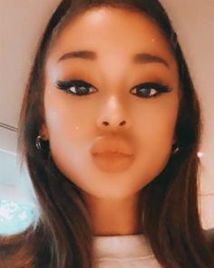 Ariana Grande Music Videos, Ariana Grande Cute, Ariana Grande Pictures, She Was Beautiful, Beautiful People, Kylie Jenner Makeup Look, Idol 3, Ariana Video, Ariana Grande Wallpaper