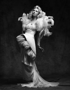 Great white on black Black And White People, Black White, Costumes Couture, Dark Beauty Magazine, Strike A Pose, Black And White Photography, Couture Fashion, My Images, Wearable Art