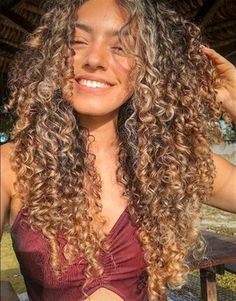This is the best leave in conditioner for curly hair. Whether you have fine curly hair or thick curls, these leave in treatments will restore your curls. Curly Hair Styles, Fine Curly Hair, Colored Curly Hair, Wavy Hair, Natural Hair Styles, Curls Hair, Blonde Curly Hair Natural, Girls With Curly Hair, Curly Hair Layers