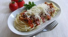 Házi bolognai spagetti   Receptkirály.hu Spagetti, Bologna, Ethnic Recipes, Food, Essen, Meals, Yemek, Eten