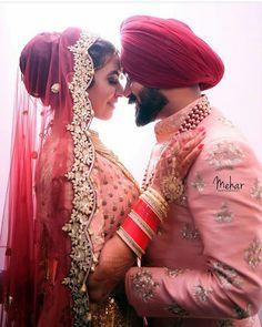 auga tym v boht cheti chngi tra dhkka maru frr na kheyo dsya ni 😂😂 Couple Wedding Dress, Punjabi Wedding Couple, Indian Wedding Couple Photography, Wedding Outfits For Groom, Indian Wedding Photos, Wedding Couple Photos, Indian Bridal Outfits, Sikh Wedding, Couple Photography Poses