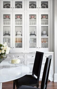 Decor therapy   How to style your kitchen cabinets — The Decorista