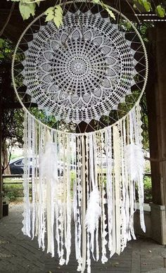 "39"" Floral Feather Bohemian Dream Catcher Wall Hanging Boho Wedding Decor Product Description: This one-of-a-kind bohemian wedding style dream catcher perfectly pairs lace, ribbons and doilies in neut"