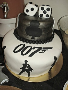 The most amazing James Bond birthday cake | 1924 London