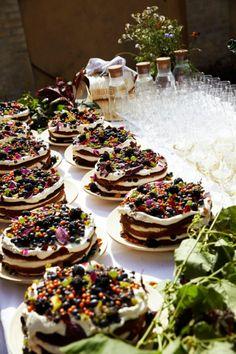 Tuscan Wedding, Wedding Schedule, Wedding Planning Tips, Diy Fest, Wedding Advice Cards, Rustic Wedding Colors, Industrial Wedding, Wedding Reception Decorations, Desserts