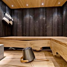 The elegant oak benches in the sauna.
