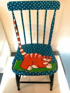 Decoration paintings on chairs, ideas recycling chair decorate chair. - UPCYCLING IDEAS - Decoration paintings on chairs, ideas recycling chair decorate chair. Whimsical Painted Furniture, Hand Painted Chairs, Painted Stools, Hand Painted Furniture, Funky Furniture, Refurbished Furniture, Art Furniture, Repurposed Furniture, Furniture Projects