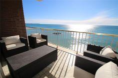Es cómodo y situado junto a la playa, en Cambrils. ¡Nos encantan sus vistas al mar!