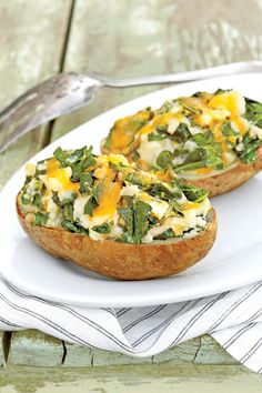 ENTERTAINING50 Delicious Potato Recipes50 Delicious Potato RecipesMay 05, 2016 START SLIDESHOWALISON MIKSCHWhether you like your potatoesmashed, baked,or fried,we have the perfect recipe for any occasion.Potatoes are greatto serve for weeknight dinners and weekend entertaining. Frommashed potatoestopotato salad, there is noshortage of ways to enjoy these simple, but versatilevegetables. They can make a great addition toany meal from breakfast to dinner.They are the perfects