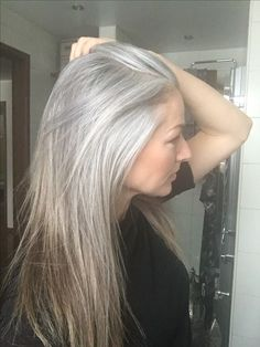 Blonde highlights for gray hair - here\'s a good idea to camouflage ...