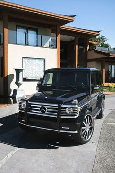 Not a Jeep but still in love. Makes me think of a luxury Jeep Mercedes G Wagon, Mercedes Benz G Class, My Dream Car, Dream Cars, Lux Cars, Fancy Cars, Nice Cars, Best Luxury Cars, Luxury Suv