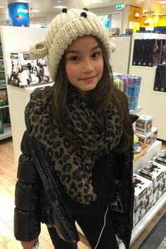 "[ @ ] MELANIE (Natascha Aisawan) - EMS ""Filha da Izzy."""