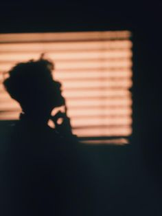 shadow, boy, and aesthetic image Photographie Portrait Inspiration, Troye Sivan, Tim Drake, Life Is Strange, Criminal Minds, Image Hd, Catwoman, The Magicians, Silhouette
