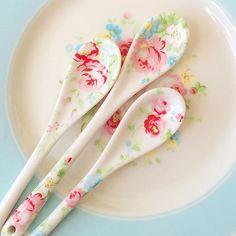 Un objeto  tan práctico como una simple cucharilla se puede convertir en algo tan bonito
