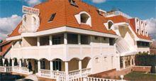 Kakadu Wellness Hotel ****   http://www.castrum-group.hu/