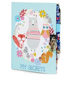 Adorned with a pretty woodland animal-print hard cover, this lockable, ruled page journal is designed with a silver-tone metal heart padlock with two keys, plus a co-ordinating ball-point pen. Warning! Not suitable for children under 36 months.