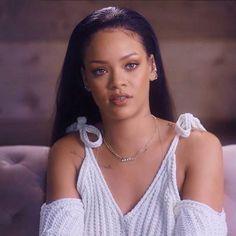 Rihanna in white Rihanna Outfits, Rihanna Photos, Fashion Outfits, Rihanna Looks, Rihanna Style, Estilo Rihanna, Jenifer Lawrence, Bad Gal, Rihanna Fenty