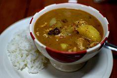 Thai Food (massaman curry) Bangkok, Thailand Cooking with Poo February, 2016 ESLVentures.com