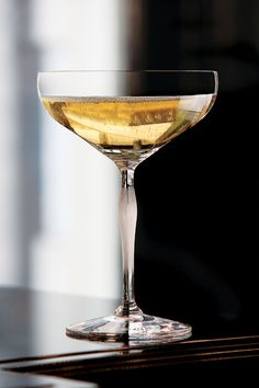 Lalique 100 Points Champagne Coupe By James Suckling, Single