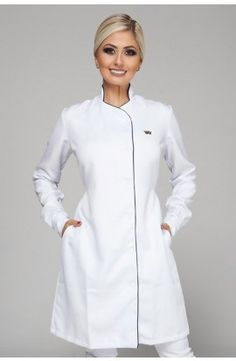 66 ideas medical doctor outfit fashion lab coats for 2019 Spa Uniform, Scrubs Uniform, Dental Uniforms, Beauty Uniforms, Blouse Nylon, Doctor Coat, White Lab Coat, Scrubs Outfit, Mode Mantel