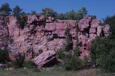 Quartzite cliff at Blue Mounds State Park