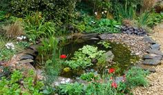 Modern Diy Garden Pond Waterfall Ideas For Backyard 23 Garden Pond Design, Bog Garden, Garden Cottage, Small Garden Nature Pond, Small Garden Landscape, Garden Bed, Garden Tips, Patio Design, Landscape Design