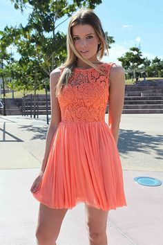 Such a pretty summer dress.