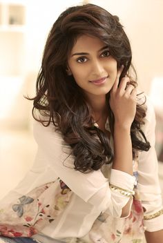 ::::Erica Fernandes ::::Official Website::::