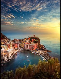Vernazza, Cinque Terre, Italy at sunset One of my very favorite cities! Places Around The World, Oh The Places You'll Go, Travel Around The World, Places To Travel, Places To Visit, Around The Worlds, Dream Vacations, Vacation Spots, Vacation Destinations