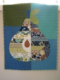 Duyvken - pieced pear quilt   I'm sure it was there, but I didn't take the time to find it..  Love this!!