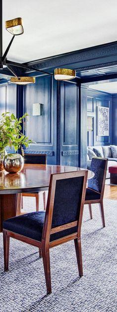 Dramatic Blue Dining Room | Interior designer Mark Cunningham rejuvenates Hana Soukupova and Drew Aaron's Connecticut home.