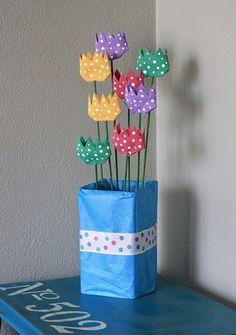 Cardboard Tube Polka Dot Tulips by @amandaformaro Crafts by Amanda
