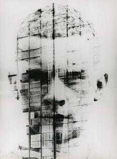 Hajo Rose - Selbstportrait vor der Bauhausfassade, 1930
