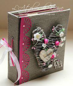 Livre d'Or Mélissa 1 Wedding Scrapbook Pages, Mini Albums Scrapbook, Scrapbook Cover, Photo Album Scrapbooking, Diy Crafts Slime, Slime Craft, Mix Media, Diy Christmas Snowflakes, Card Making Designs