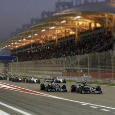 Start of the 2014 Bahrain Grand Prix.