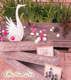 Idée cadeau côté jardin. Des jardinières en zinc façon vintage.