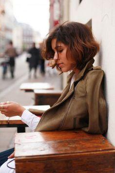 【海外スナップ】真似したくなる外国人風かわいいショートボブヘアアレンジ、アイデア画像まとめ60枚 - page2 | まとめアットウィキ - スマートフォン