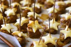 sausage puff pastry stars #appetizer #puffpastry #sausage #holidays #christmas