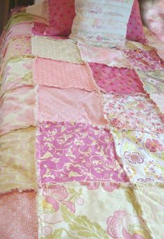 Romantic TWiN RAG QUILT  - Pretty in PiNK Shabby Chic, Rustic Modern, Cottage, Handmade!!