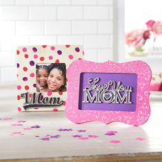 This simple picture frame is the perfect gift to give mom this Mother's Day.