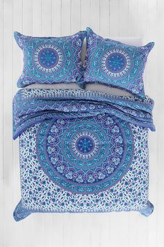 My new comforter for school! Magical Thinking Ophelia Medallion Comforter