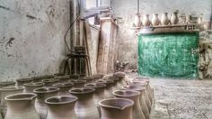 My next mission on my #TunisiaChallenge took place in  pottery workshop 'Le Souk Ceramique' in #Nabeul. I'm sure you can guess what I got on my (ceramic) plate :-) #DiscoverTunisia
