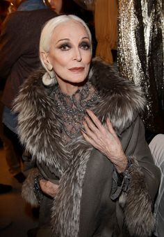 Carmen Dell'Orefice | Carmen Dell'Orefice Carmen Dell'Orefice poses backstage prior to the ...