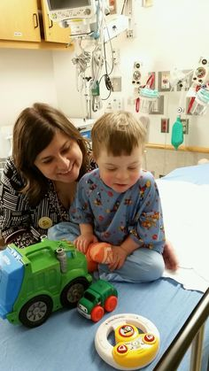 The 15-Minute Conversation 3 Moms Had on the 4th Floor of a Children's Hospital